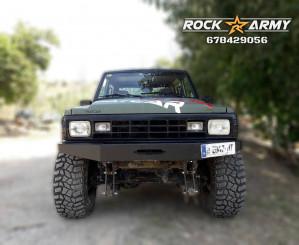 Pare chocs avant acier avec porte treuil et protection (modèle DE SERIE) de marque Rock Army pour Nissan Patrol K160 / K260